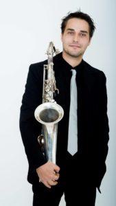 Saxophoniste avec DJ mariage soiree entreprise cocktail reception vin d'honneur show live performance nord hauts de france