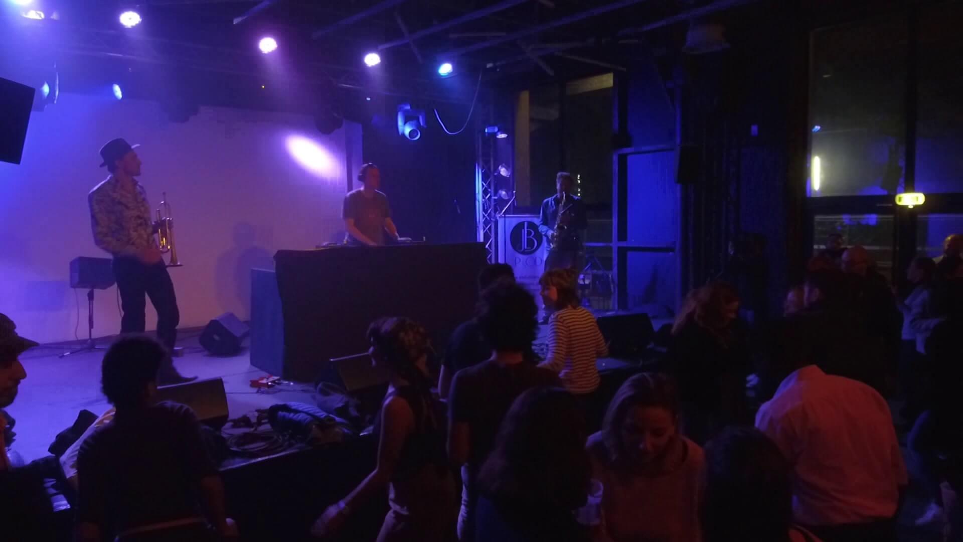prestation live DJ et artistes live saxophoniste et trompettiste en hauts de france lille pour soiree privee cocktail entreprise et mariage