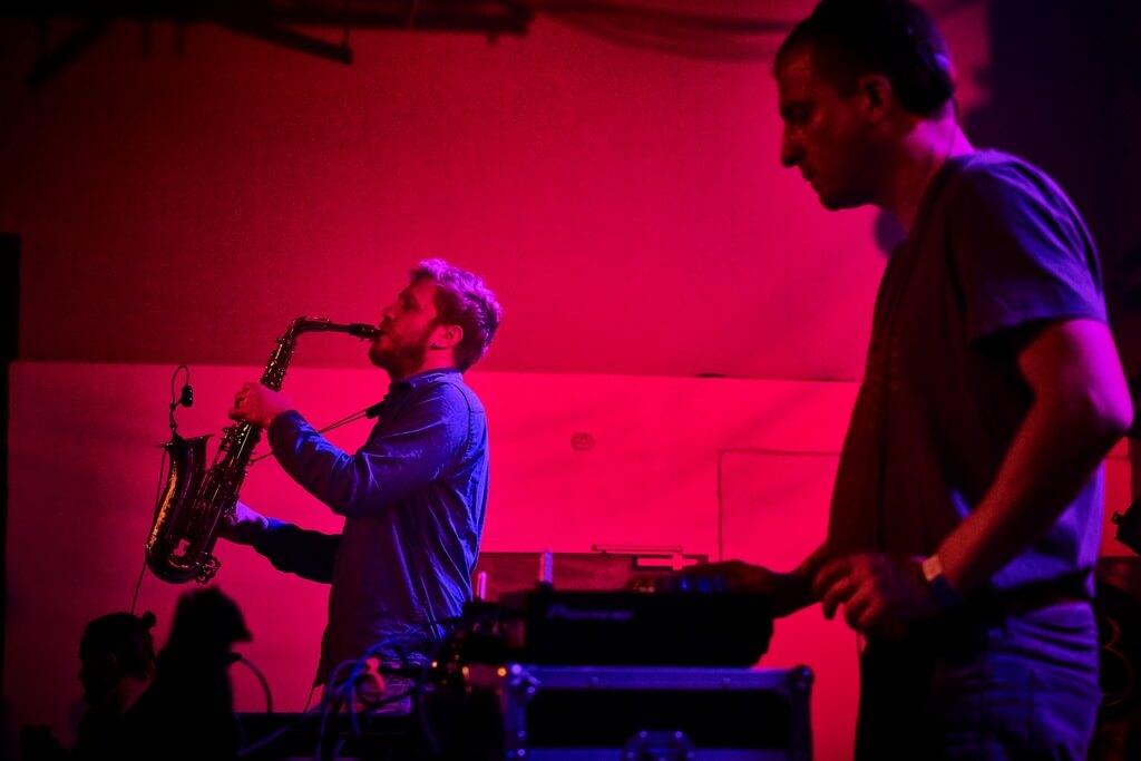 saxophoniste live avec Dj