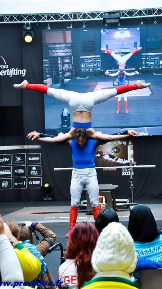 bleu blanc rouge numéro duo porté lille ambiance theme cabaret spectacle diner hauts de france nord