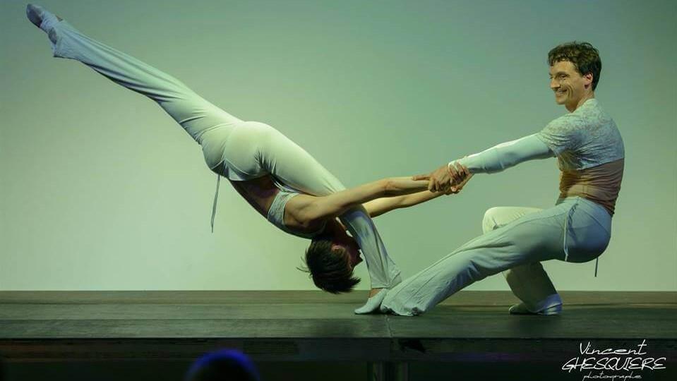 duo porté cabaret show live spectacle lille et Haust de France pour entreprise