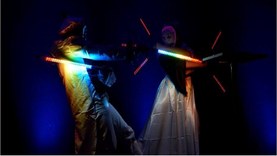 spectacle duo Bolas lumineuses spectacle lumière hauts de france lille cirque