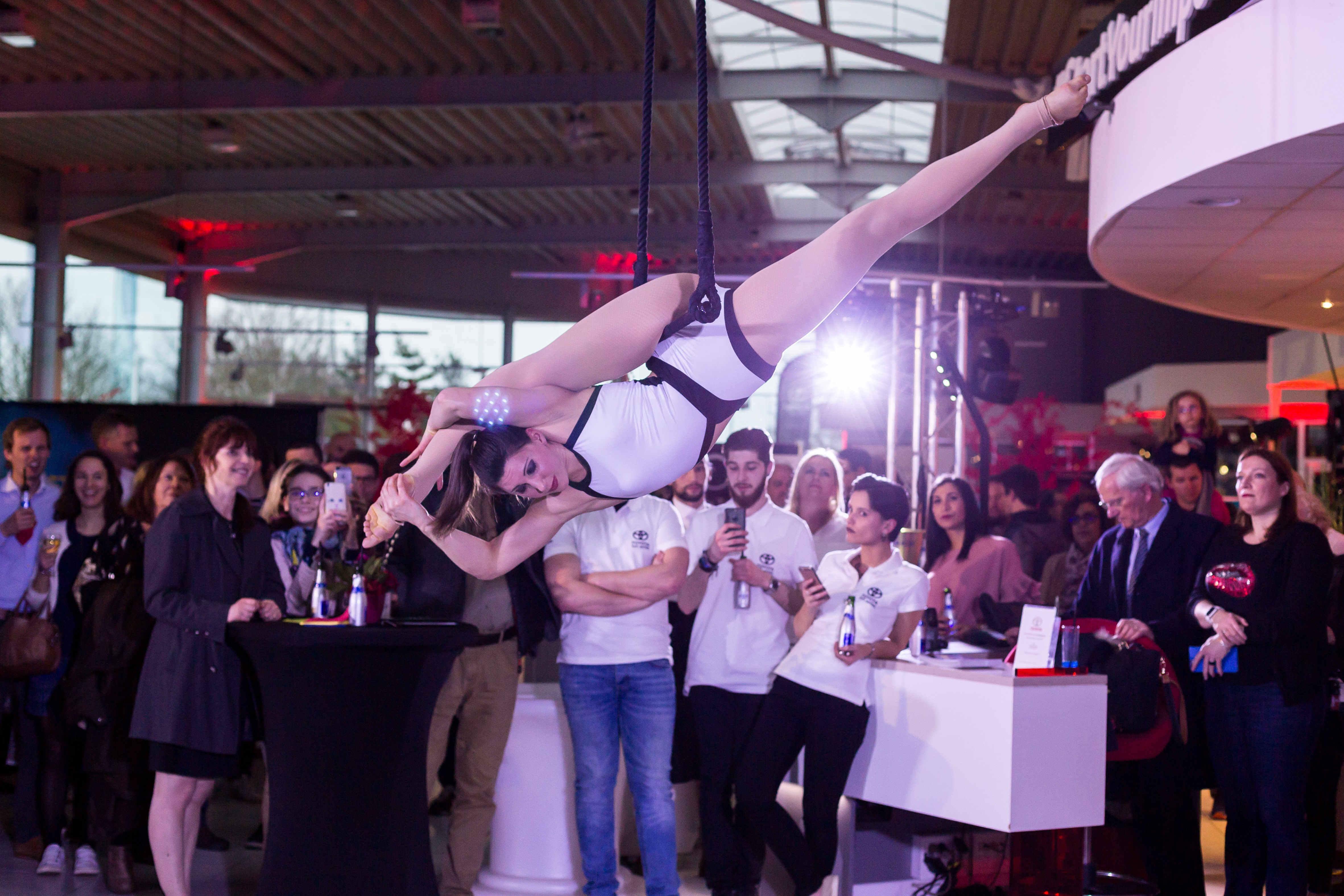 spectacle pour entreprise duo portee cirque cabaret show live