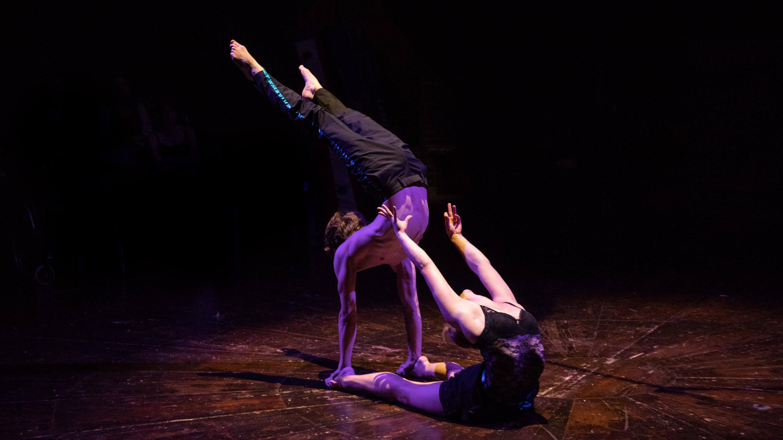 duo spectacle contorsion paris ile de france jlbprod evenementiel