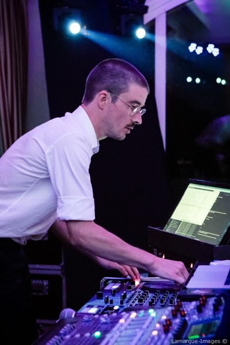 le DJ idéal pour votre soirée privée ou votre annivaire