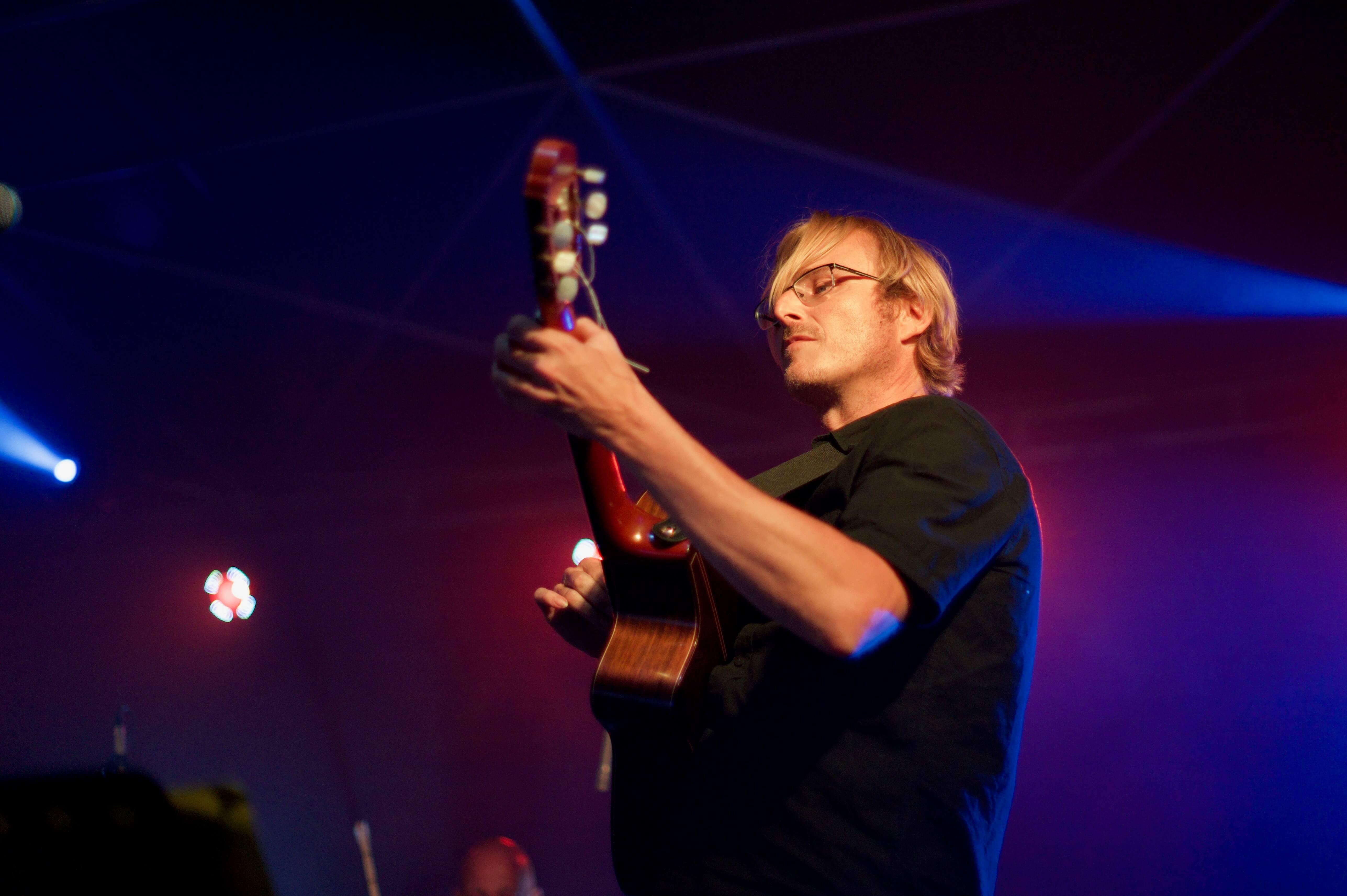 Guitariste bossa nova pour concert dans les hauts de france